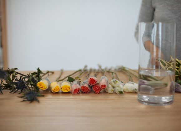 6 ways to make your Flowers last longer
