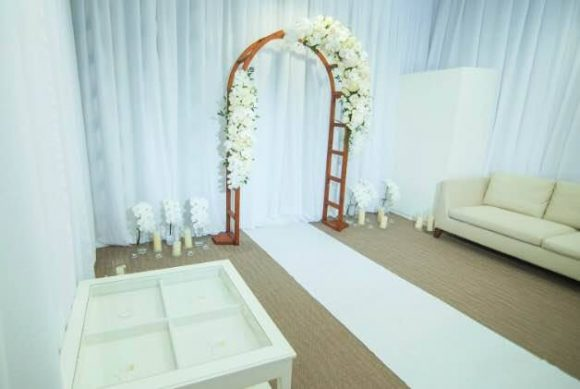 Bridal Room Flower Decor