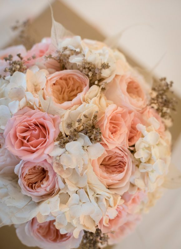 elegant pastel bridal bouquet